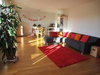 Grosse und sehr helle 4.5 Zimmerwohnung in Familienfreundlicher Siedlung zu vermieten