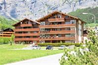 Appartementhaus LEES, neuwertige gemütliche 2.5-Zimmer-Attikawohnung mit Südbalkon