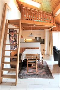 Haus ARCA vollkommen renovierte 2.5-Zimmerwohnung mit Südbalkon