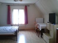 Möbiliertes Zimmer