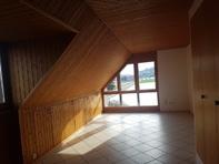 2 1/2 Zimmer Dachwohnung in Brüttelen
