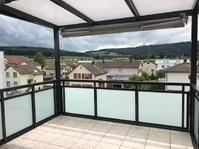 3 1/2 Zimmer-Wohnung mit grossem Balkon mit Weitsicht