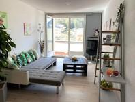 Appartementhaus ERMITAGE, renovierte und geräumige 2.5-Zimmerwohnung mit Südbalkon und schöner Aussicht