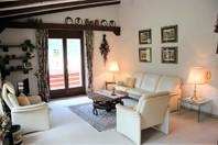 Haus ORION, 2.5 (3.5)-Zimmer-Attikawohnung im Chalet-Stil mit Terrasse und zusätzliches Zimmer