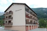 Haus Panorama, grosse helle 2.5-ZimmerwohnungBalkon süd mit wunderschöner Aussicht