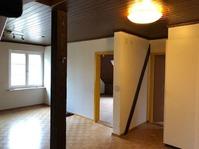 In Hornussen AG Ab sofort.... oder Vereinbahrung günstige 4 1/2 Maisonette-Dachwohnung