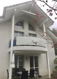 3-1/2-Zimmer-Dachwohnung mit Galerie in EFH
